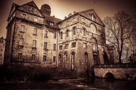 Haunted Houses You Won't Want to Miss